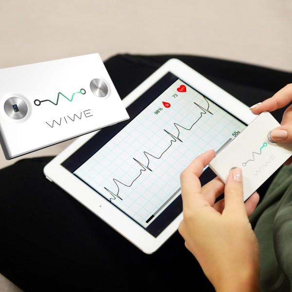 Dispozitiv WIWE pentru masurarea EKG, SpO2, puls, tulburari de ritm, risc cardiac, culoare negru